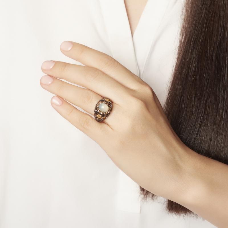 Кольцо опал благородный белый Эфиопия (серебро 925 пр. позолота, родир. черн.) размер 17