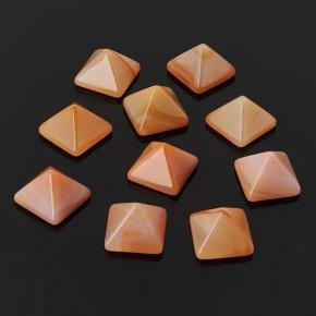Пирамида сердолик Ботсвана 1-1,5 см