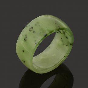 Кольцо нефрит зеленый Россия (цельное) размер 17