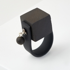 Кольцо гагат матовый Грузия (биж. сплав, каучук) (регулируемый) размер 18