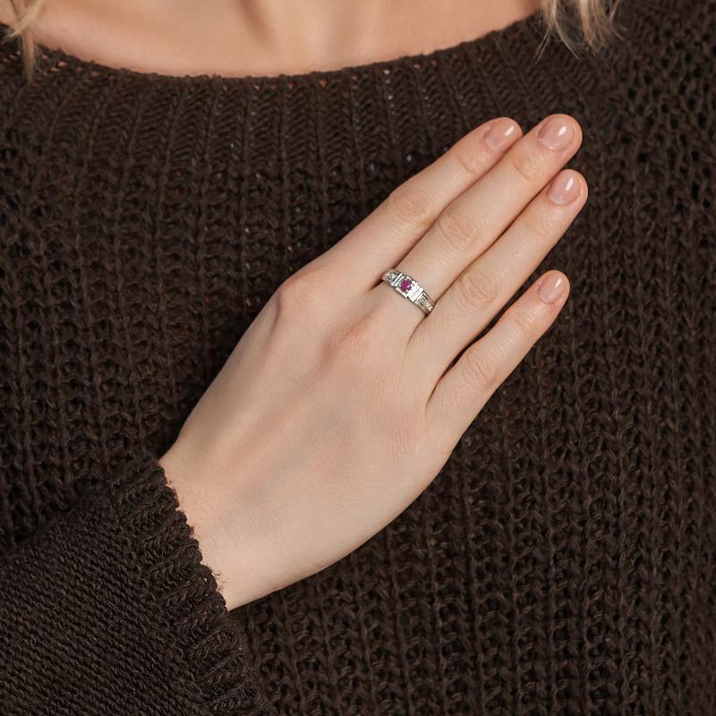 Кольцо рубин Мьянма (серебро 925 пр. родир. бел.) огранка Спаси и сохрани размер 16,5