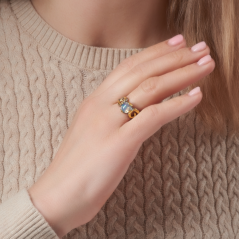 Кольцо опал благородный белый Эфиопия (серебро 925 пр. позолота, родир. сер.) размер 17,5