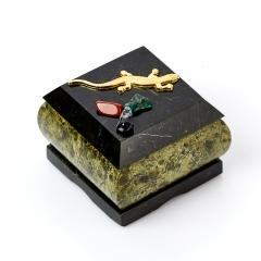 Шкатулка змеевик Россия 6,5х6,5х5 см