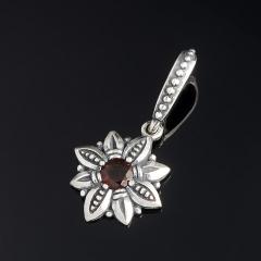 Кулон гранат альмандин Индия (серебро 925 пр. оксидир.) цветок огранка