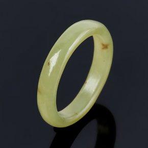 Кольцо нефрит зеленый Россия (цельное) размер 16