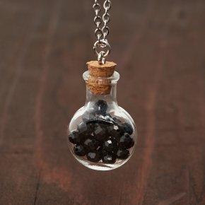 Кулон шпинель черная Шри Ланка (биж. сплав, сталь хир., стекло, текстиль) бутылочка огранка 3,5 см