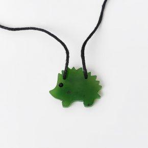 Кулон нефрит зеленый Россия (текстиль) ёжик