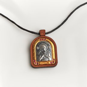 Кулон рубин Мьянма (серебро 925 пр. оксидир., позолота, дерево, текстиль) Богоматерь Семистрельная огранка