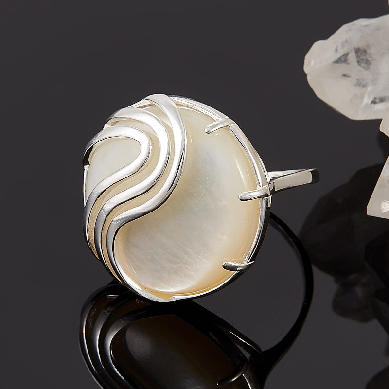 Кольцо перламутр  (серебро 925 пр.)  размер 18 кольцо фаворитка перламутр