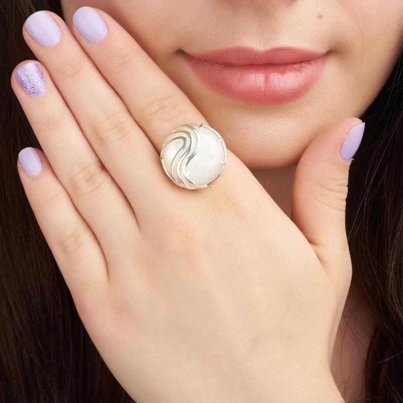 Кольцо перламутр Индонезия (серебро 925 пр.)  размер 18,5