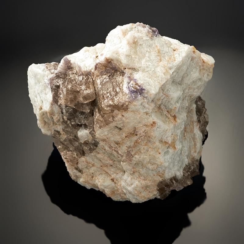 Кристалл в породе гранат (спессартин) 50х47х48 мм S кристалл в породе аквамарин 87х78х68 мм