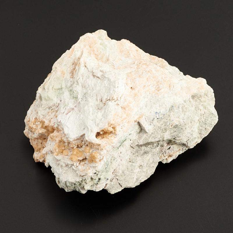 Кристаллы в породе гранат (гроссуляр)  (Урал) S 73х62х25 мм
