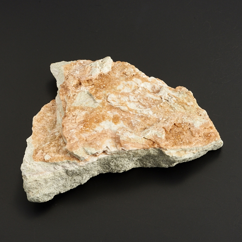 Кристаллы в породе гранат (гроссуляр)  (Урал) M 109х87х27 мм