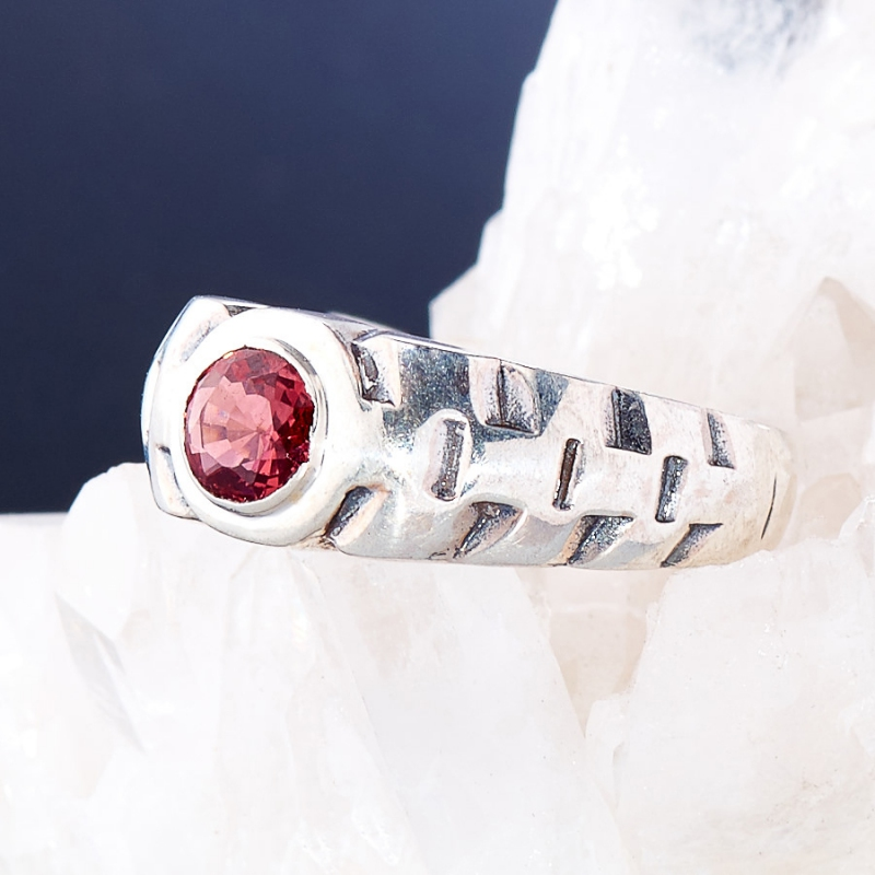 [del] Кольцо гранат Индия огранка (серебро 925 пр.) размер 23