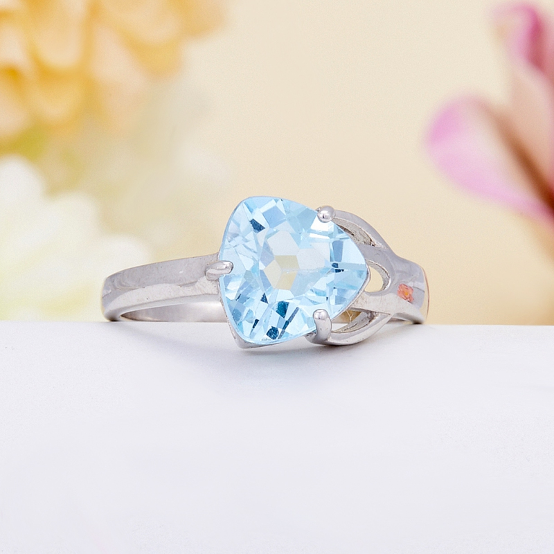 Кольцо топаз голубой огранка (серебро 925 пр.) размер 18 кольцо коюз топаз кольцо т141017038