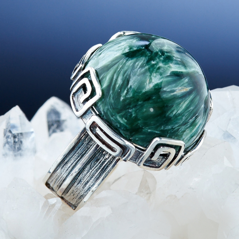 [del] Кольцо клинохлор (серафинит) Россия (серебро 925 пр.)  размер 16,5