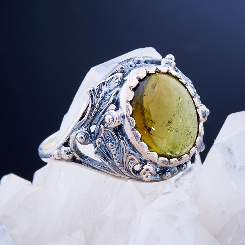 Кольцо турмалин зеленый  (серебро 925 пр.)  размер 18,5