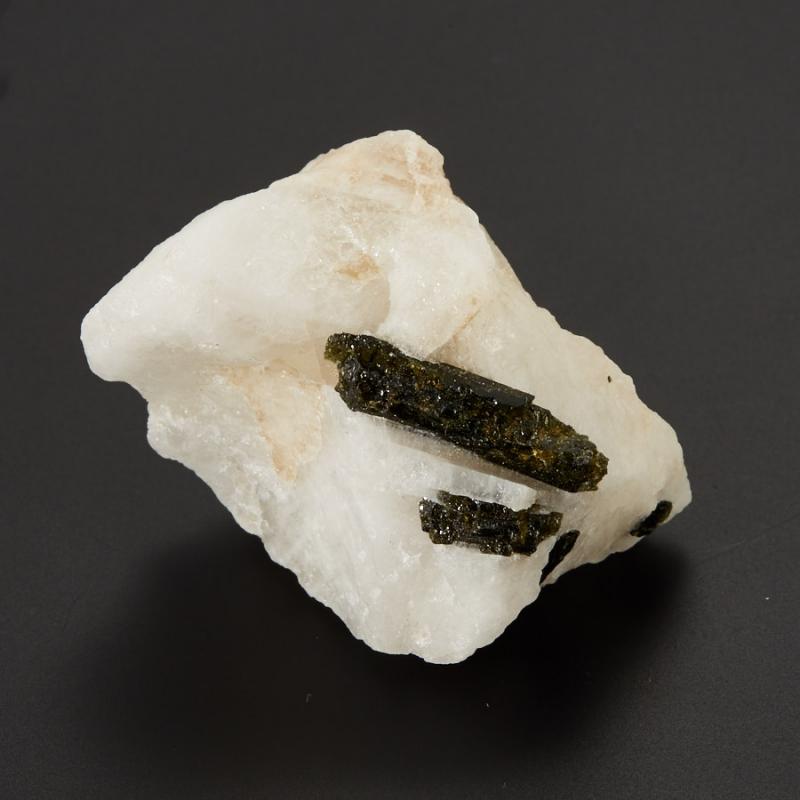 Кристалл в породе турмалин зеленый (верделит)  S 25х35х55 мм