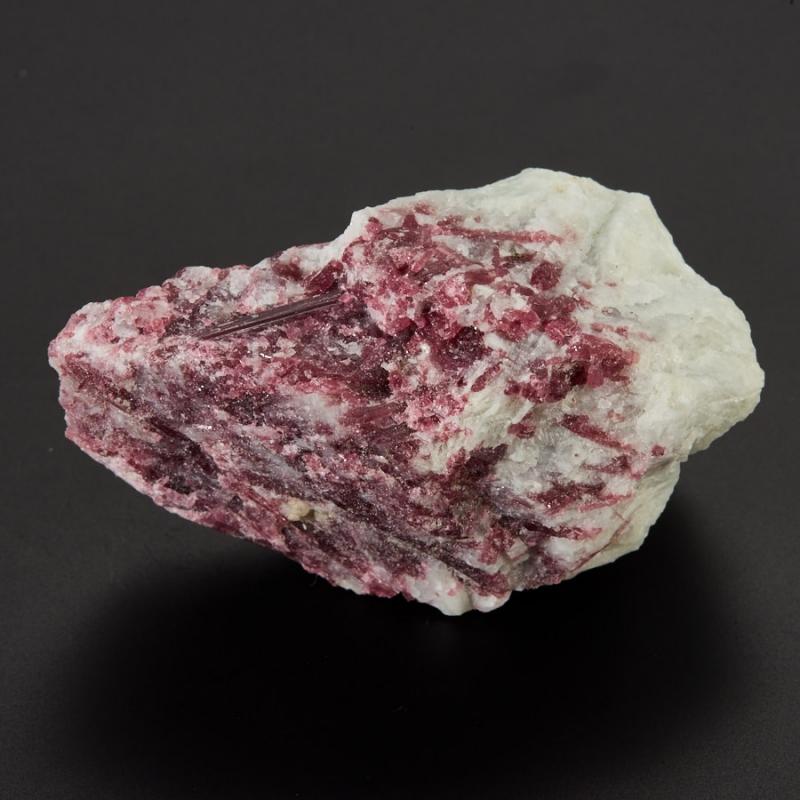 Кристалл в породе турмалин розовый (рубеллит)  S 35х35х60 мм