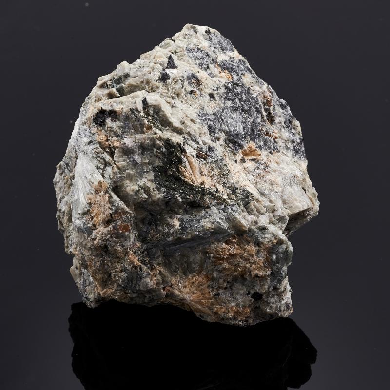 Образец титанит (сфен), пектолит, эгирин, микроклин S 34х56х69 мм eglo 93259