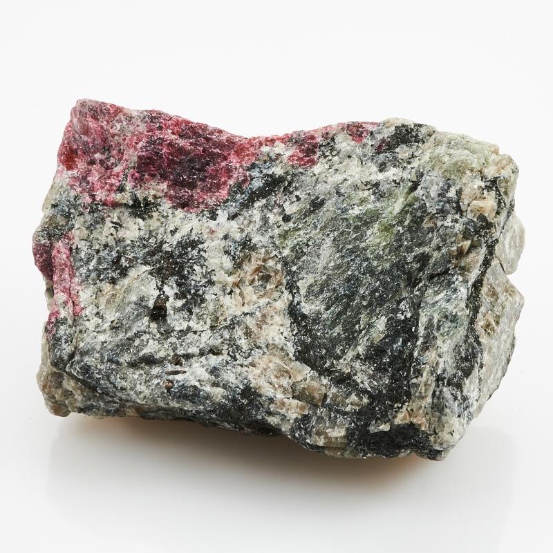 Образец эвдиалит  S 22х35х52 мм от Mineralmarket