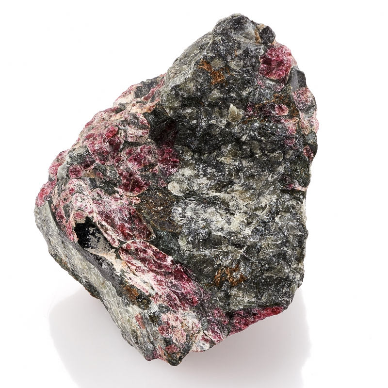 Образец эвдиалит  S 37х51х67 мм от Mineralmarket