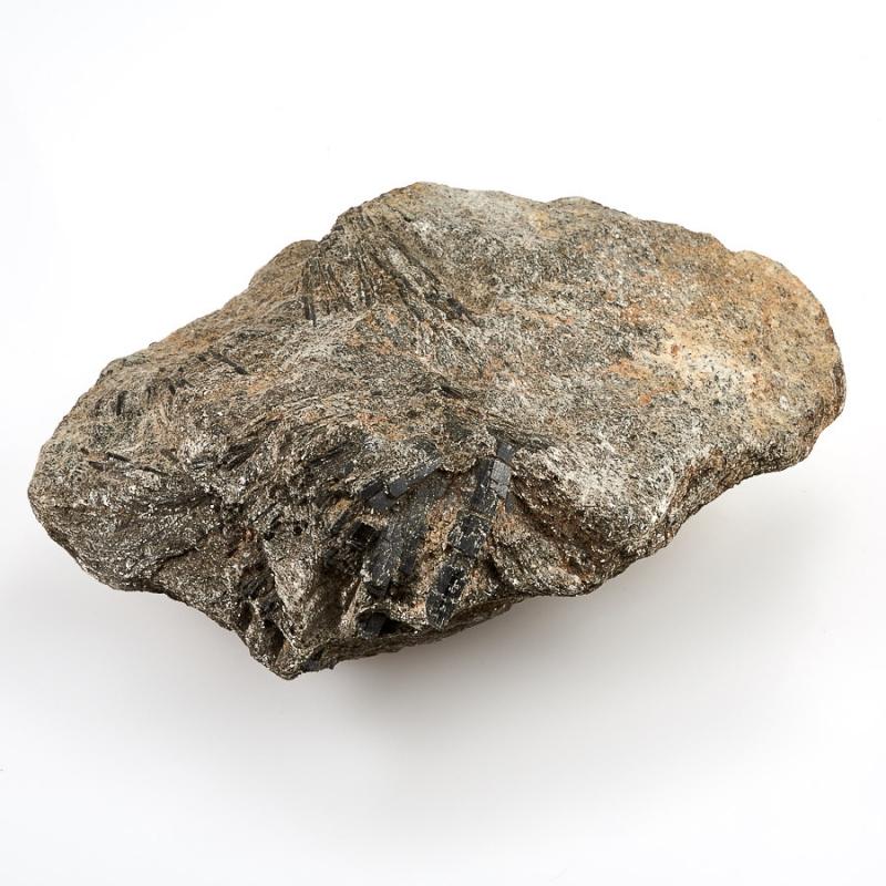 Кристалл в породе турмалин черный (шерл)  L